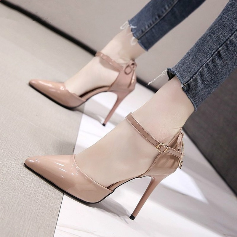Butterfly-Knot Patent High Heels
