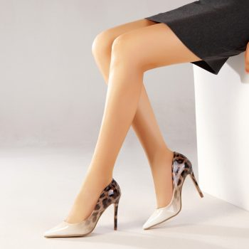 Elegant Two-Toned Pointed High Heelsq